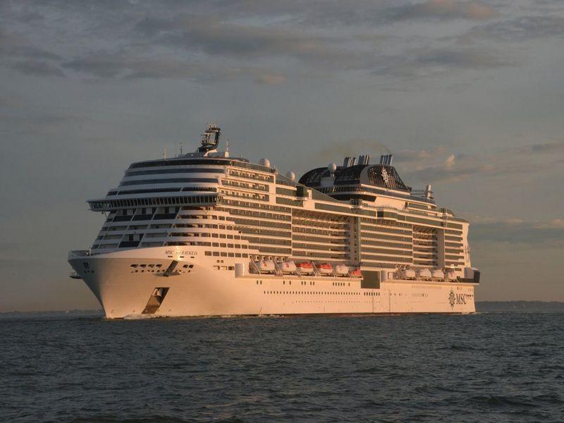 3 самых лучших круизных лайнеров уходящего года